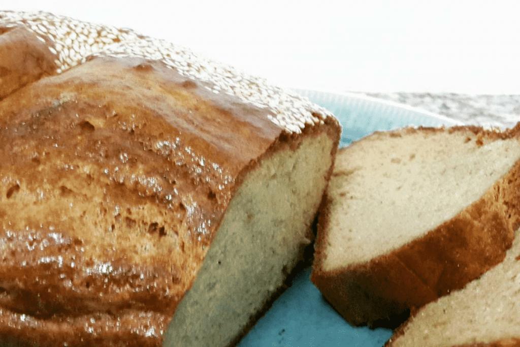 הצעת הגשה של לחם טחינה